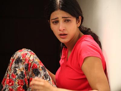Shruti-Haasan-Attacked
