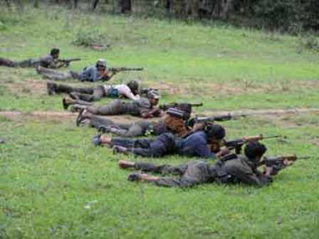 Maoists_AFP3801