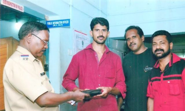 parappanangadi police stationil panam kaimarunnu (1)