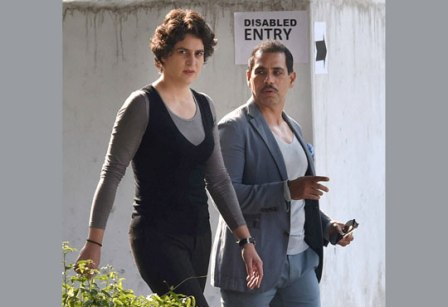 07-1423308951-priyanka-vadra-with-husband-robert-vadra-2