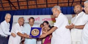 എം.ടി. മലയാളിയുടെ അഭിമാനം- മുഖ്യമന്ത്രി