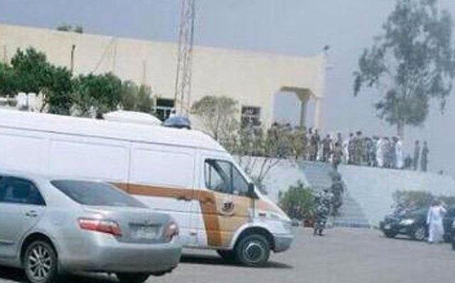 Saudi_mosque_blast_3399583b