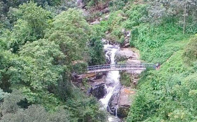 kerala kundu waterfall 1