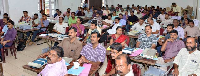 electronic voting machine training at collectorate conf. hall