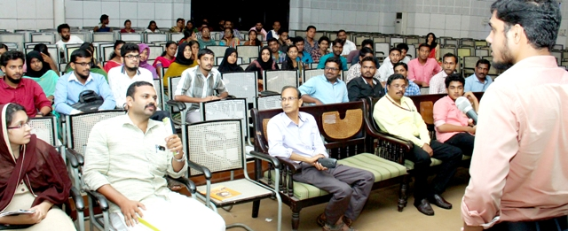 University-Dr.P.C.Mehshud Irfan leading doubt clearing session in Organ Sharing Awareness programme-2