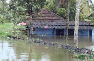 കുട്ടനാട്ടില് ജാഗ്രതാ നിര്ദ്ദേശം, നേവിയുടെ സഹായം തേടി