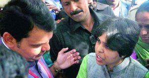 ഹാജി അലി ദര്ഗയില് പ്രവേശിക്കാന് ശ്രമിച്ച തൃപ്തി ദേശായിയേയും സംഘത്തെയും പോലീസ് തടഞ്ഞു