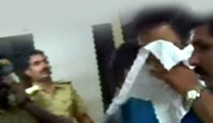 ഗവണ്മെന്റ് പ്ലീഡര് ധനേഷ് മാത്യു മാഞ്ഞൂരാന് യുവതിയെ കടന്നു പിടിച്ചതായി ദൃക്സാക്ഷി